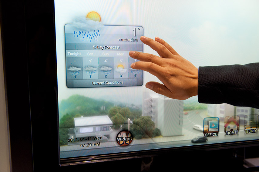 Transparent Smart Window Samsung - WIZZ factory, solutions digitales interactives