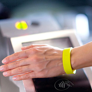 Bracelet NFC - WIZZ factory, solutions digitales interactives