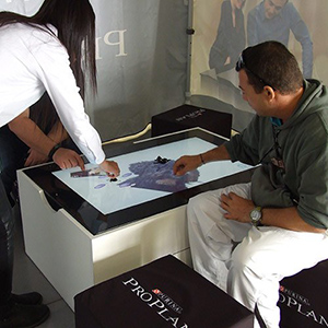 Interface Multitouch - WIZZ factory, solutions digitales interactives