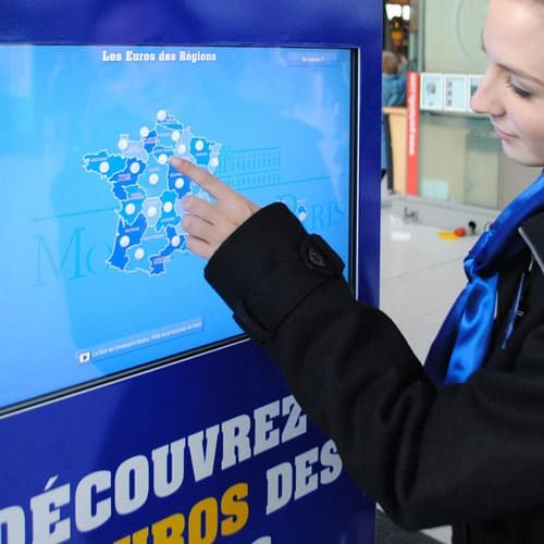 Bornes & Surfaces Interactives - WIZZ factory, solutions digitales interactives